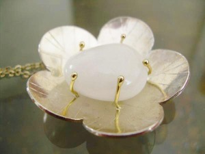 flower pendent, white quartz, sterling silver and 18K gold prongs
