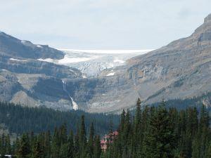 Wapta icefield (Bow glacier), Num-Ti-Jah Lodge